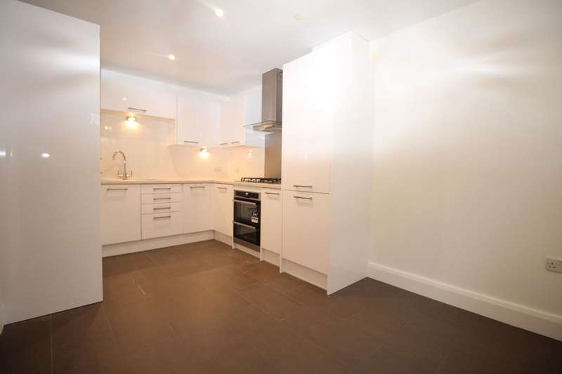 3 Bedrooms Semi Detached House for rent in London Road, Cheam, Sutton, SM3