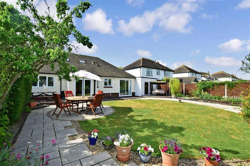 4 Bedrooms Bungalow for sale in Longtye Drive, , Chestfield, Whitstable, Kent