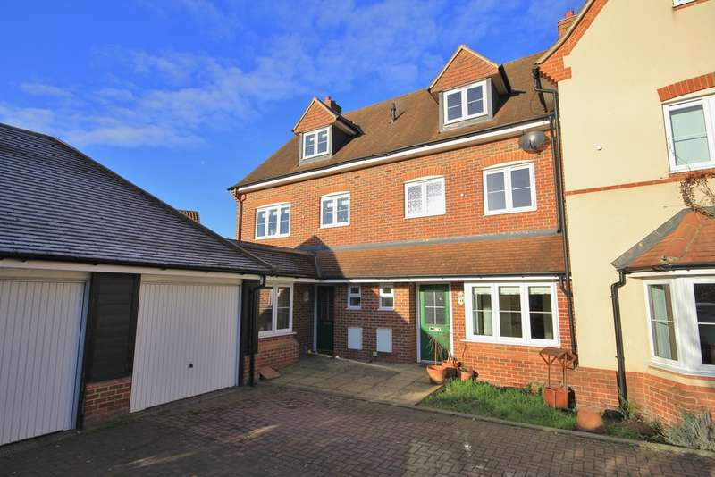 3 Bedrooms Terraced House for rent in Haddenham | Buckinghamshire