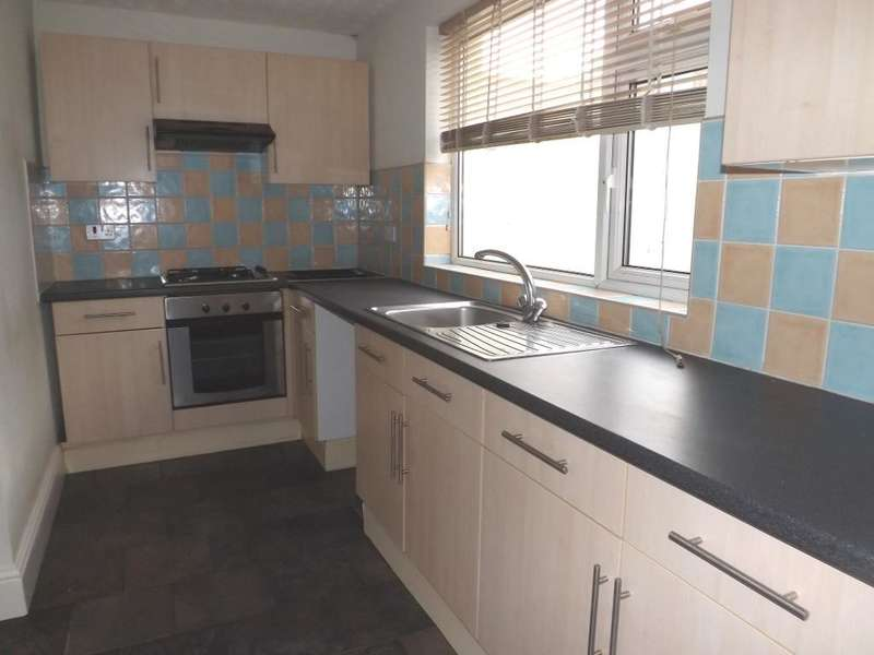 2 Bedrooms Terraced House for sale in Scott Street, Amble, Morpeth, Northumberland, NE65 0NU