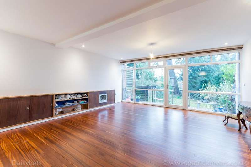 4 Bedrooms Terraced House for rent in Little Brownings, Forest Hill, London, SE23 3XJ
