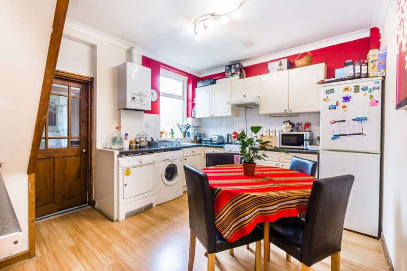 2 Bedrooms House for sale in Haig Road West, Plaistow, E13