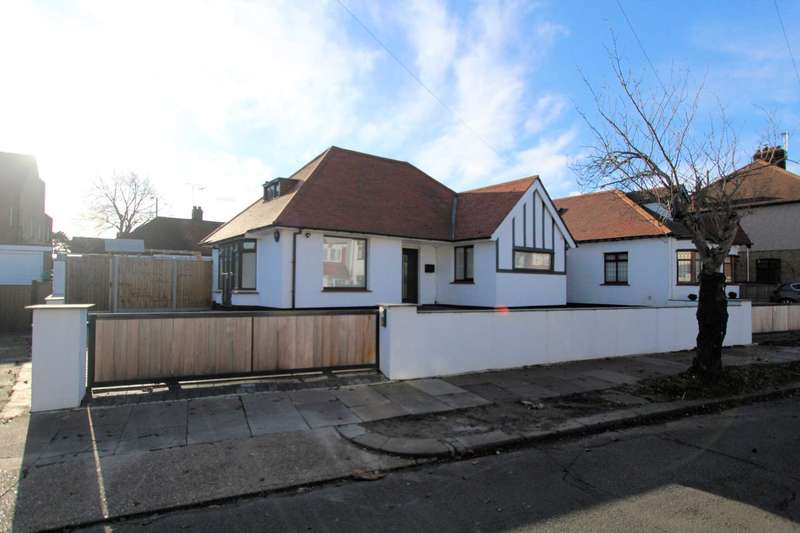 3 Bedrooms Bungalow for rent in Eaton Road, Leigh On Sea