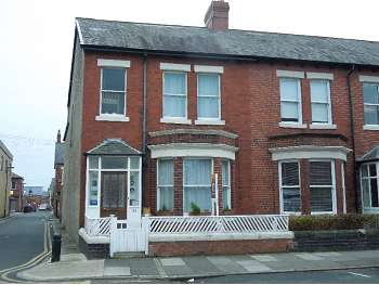 4 Bedrooms End Of Terrace House for sale in Cartington Terrace, Newcastle upon Tyne, NE6 5QQ