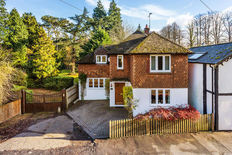 3 Bedrooms Detached House for sale in Chevening Road, Sevenoaks, TN14