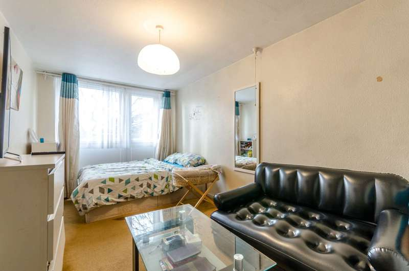 1 Bedroom Flat for sale in Glamis Road, Shadwell, E1W