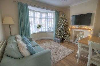 2 Bedrooms Semi Detached House for sale in Ronald Drive, Newcastle upon Tyne, Tyne and Wear, NE15 7AY