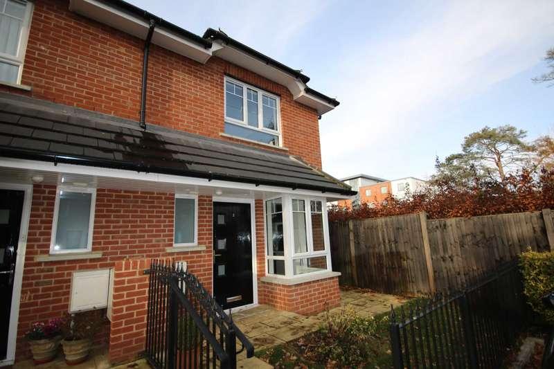 2 Bedrooms Semi Detached House for rent in Hope Walk, Fleet Road, Fleet