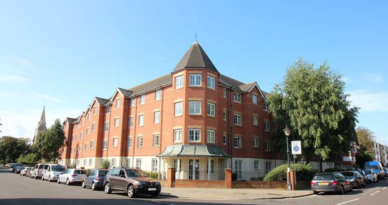 1 Bedroom Property for sale in Holmbush Court, Queens Crescent