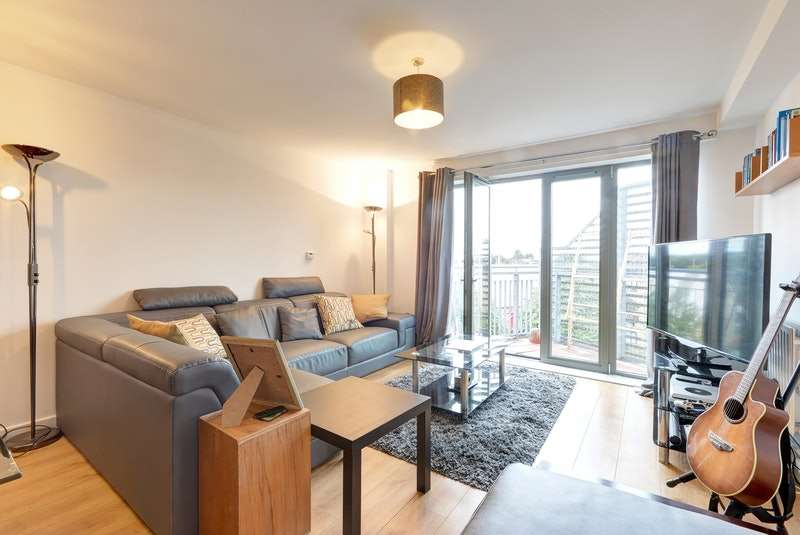2 Bedrooms Flat for sale in High road Leytonstone, Leytonstone, London, E11