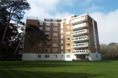 3 Bedrooms Flat for rent in BRANKSOME COURT, WESTERN ROAD