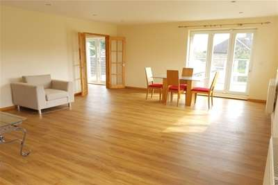 2 Bedrooms Flat for rent in Squires Hill - Marham