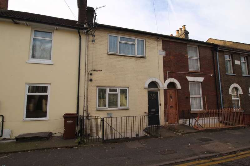 1 Bedroom Flat for sale in Luton Road, Chatham, ME4