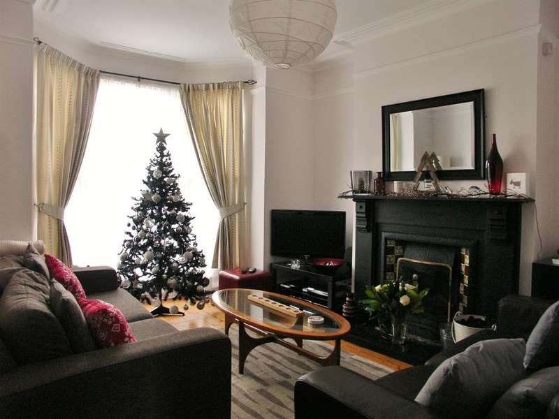 4 Bedrooms Terraced House for rent in Westbrook Bank, Sheffield, S11 8YJ