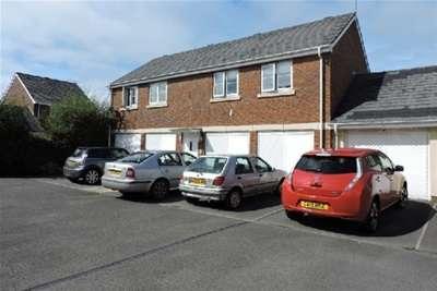 Property for rent in Six MIlls Avenue, Gorseinon, SA4 4QD