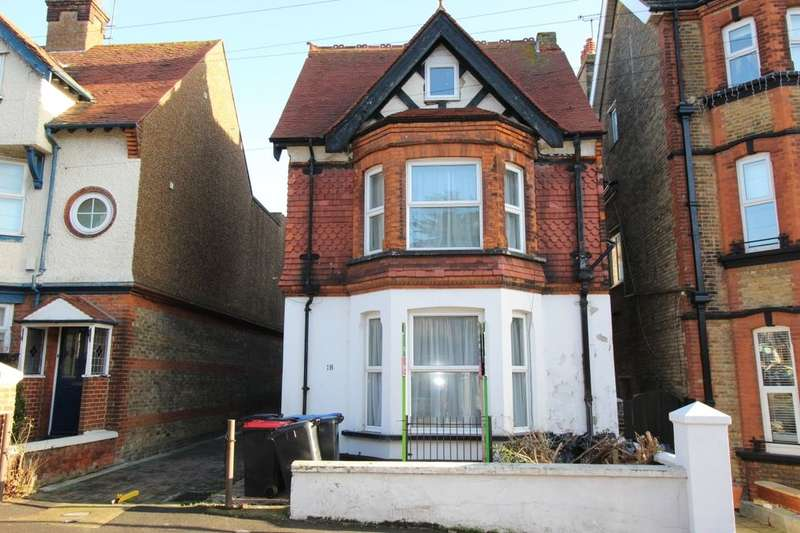 2 Bedrooms Flat for rent in Queens Road, Broadstairs, CT10