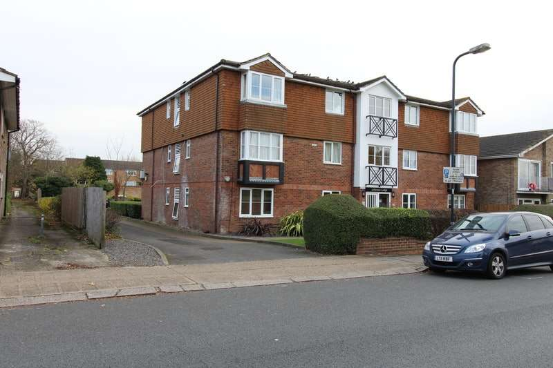 1 Bedroom Flat for sale in Sudbury Avenue, Wembley, Middlesex, HA0
