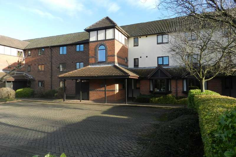 2 Bedrooms Flat for sale in Newsholme Close, Culcheth, Warrington, Cheshire, WA3 5DE