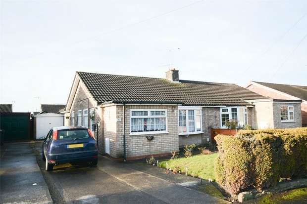3 Bedrooms Semi Detached Bungalow for sale in Southdown Road, Huntington, York