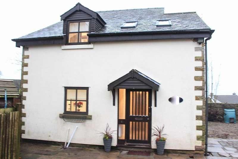 3 Bedrooms House for sale in Fleming Square, Longridge, Preston, PR3 3RT