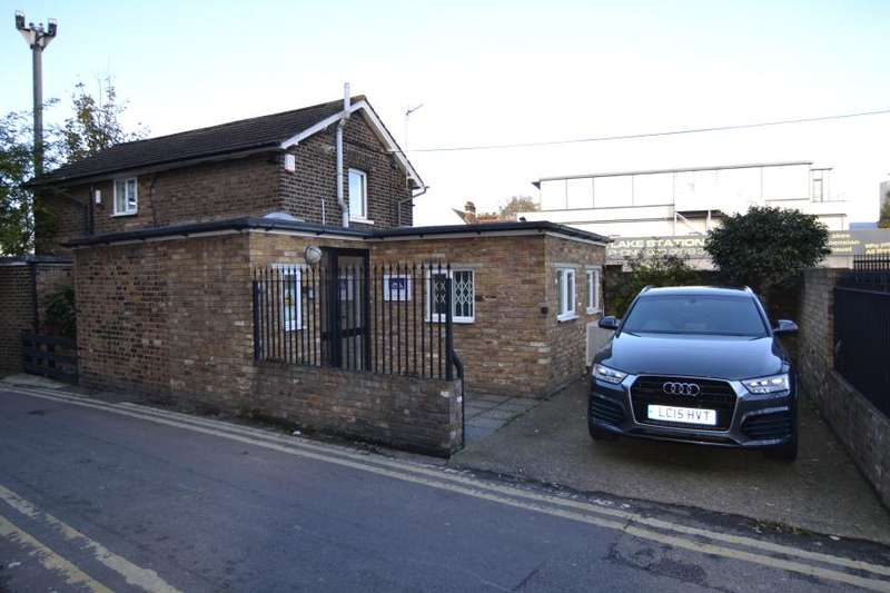 2 Bedrooms Detached House for sale in South Worple Way, East Sheen, SW14