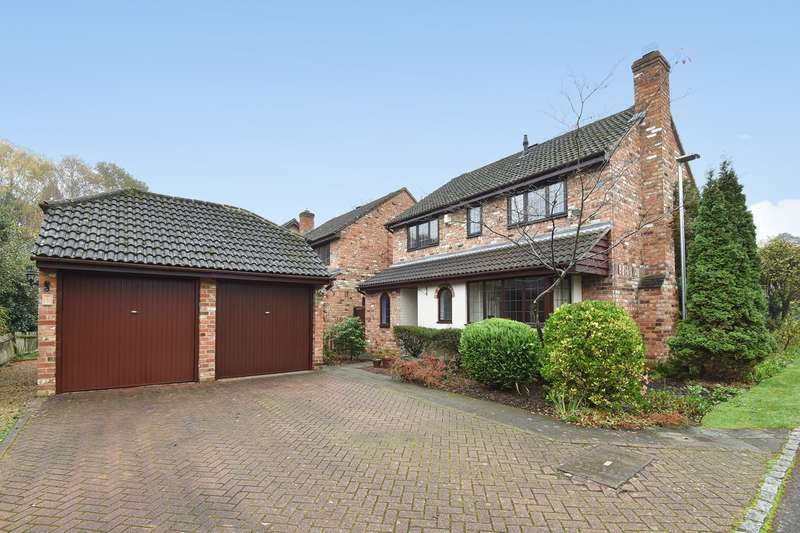 4 Bedrooms Detached House for sale in Fern Close, Crowthorne, RG45