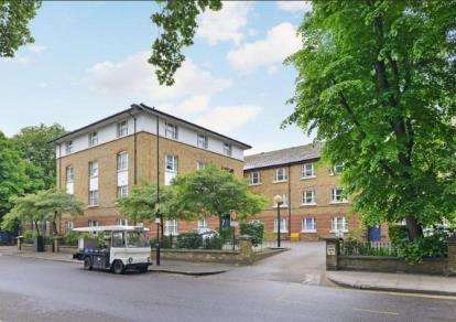 1 Bedroom Flat for sale in 358 Victoria Park Road, London