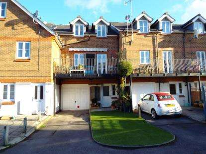 4 Bedrooms Town House for sale in Exmouth Road, Southsea, Hampshire