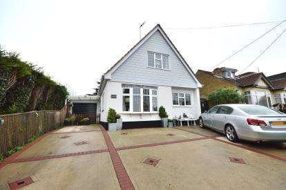 2 Bedrooms Detached House for sale in Barling Magna, Great Wakering, Essex
