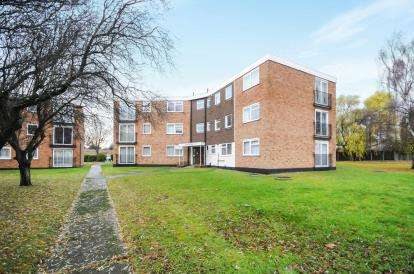2 Bedrooms Flat for sale in Southchurch Boulevard, Southend-On-Sea, Essex