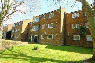 2 Bedrooms Flat for sale in Nantes Close, Wandsworth, London