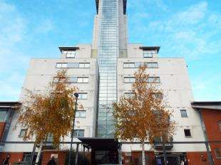 2 Bedrooms Flat for sale in Erebus Drive, West Thamesmead, London, Uk