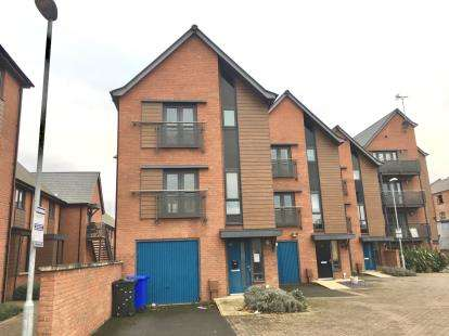 3 Bedrooms Detached House for sale in White Horse Lane, Boston
