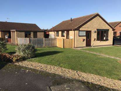 2 Bedrooms Bungalow for sale in Holmes Road, Stickney, Boston