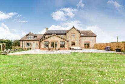 4 Bedrooms Detached House for sale in Silver Street, Godmanchester, Huntingdon, Cambridgeshire