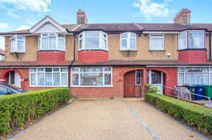 3 Bedrooms Terraced House for sale in Empire Road, Perivale, Greenford, Middlesex