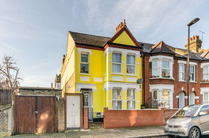 5 Bedrooms Semi Detached House for rent in Gloucester Road, Tottenham, N17