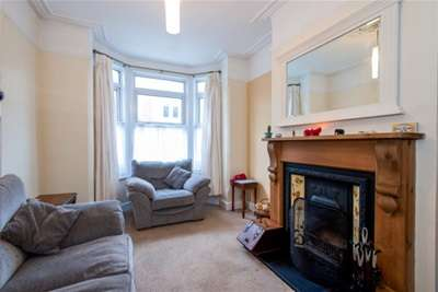3 Bedrooms House for rent in Wallington Road, Copnor