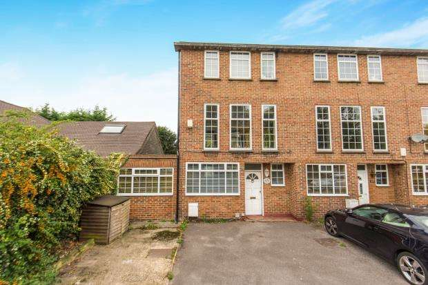 4 Bedrooms End Of Terrace House for sale in Cheam, Sutton, Surrey