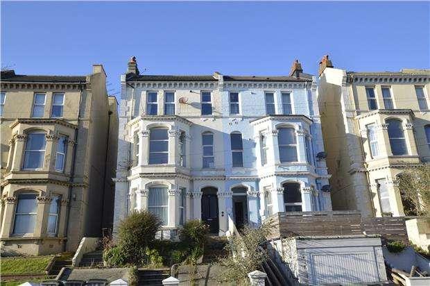 2 Bedrooms Flat for sale in Braybrooke Road, HASTINGS, East Sussex, TN34 1TQ