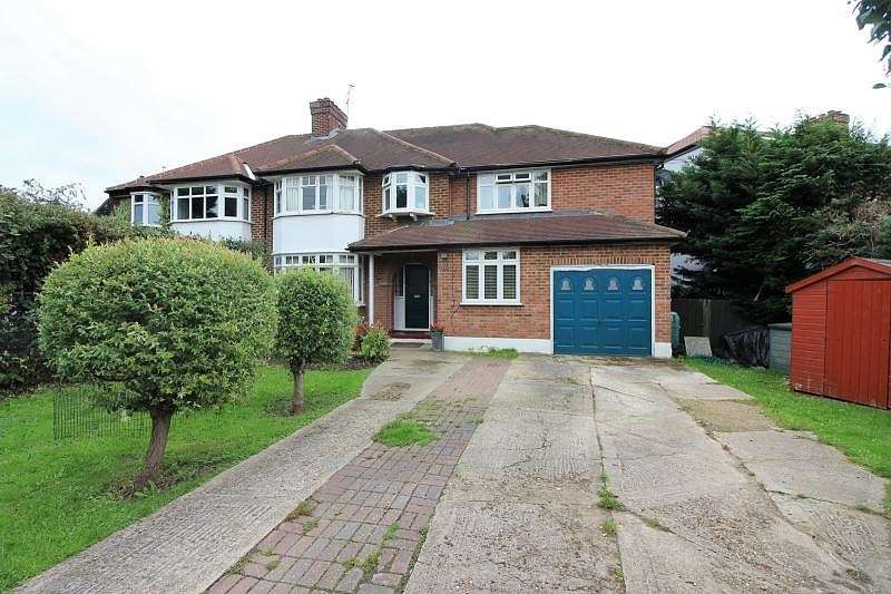 5 Bedrooms Detached House for sale in East Molesey