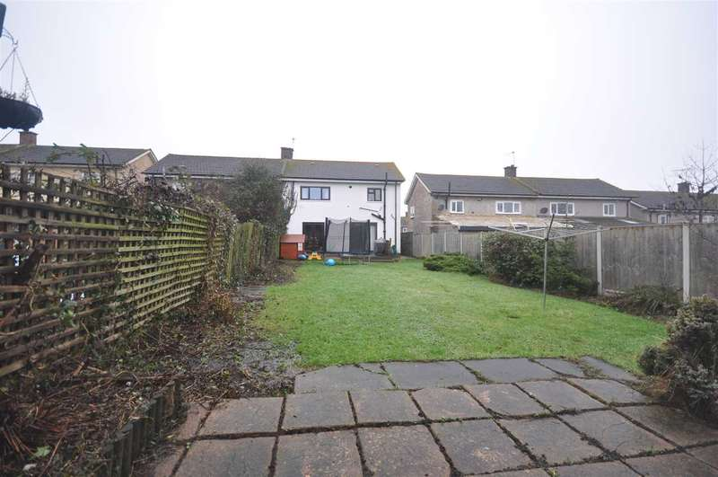 3 Bedrooms Semi Detached House for sale in Victoria Road, Stanford Le Hope