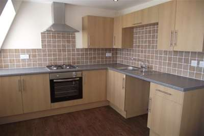 2 Bedrooms Flat for rent in Sea Front, Hayling Island