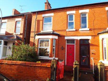 3 Bedrooms Semi Detached House for sale in Jubilee Road, Wrexham, Wrecsam, LL13