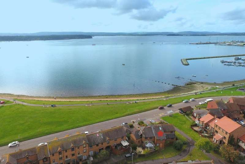 3 Bedrooms Town House for sale in Baiter Harbourside Park, Poole, BH15 1UX
