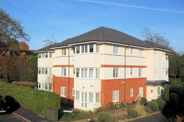2 Bedrooms Flat for sale in Brooklyn Road, Woking, Surrey