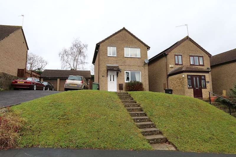 3 Bedrooms Detached House for sale in Whatcombe Road, Frome, Somerset, BA11 3AT