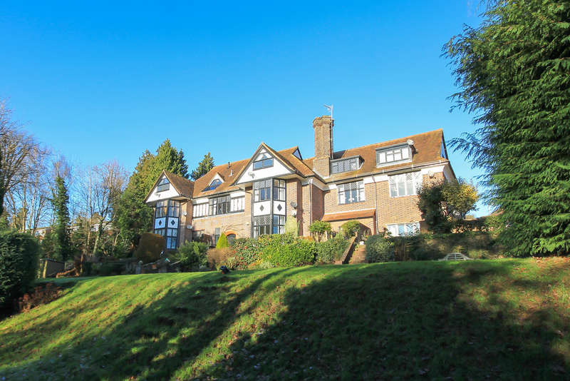 2 Bedrooms Flat for sale in Fairfield Road, East Grinstead