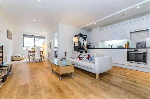 2 Bedrooms Apartment Flat for sale in Surrey House, 2 Scarbrook Road, Croydon