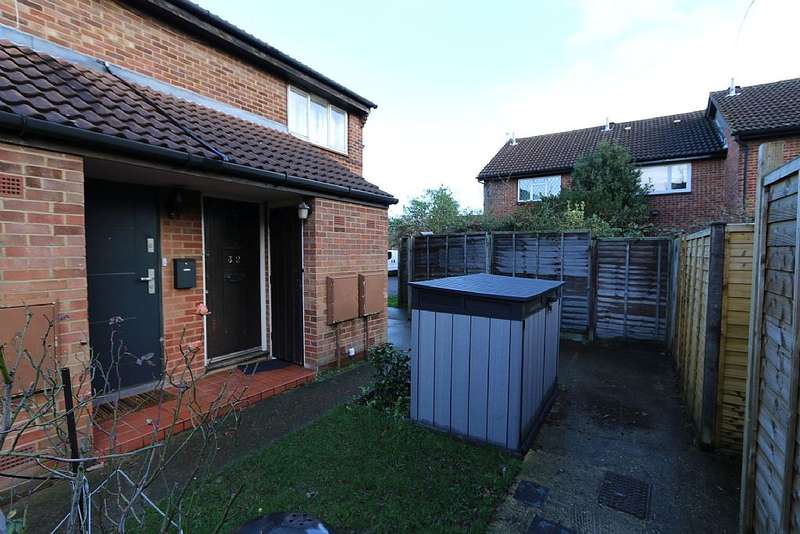 1 Bedroom Maisonette Flat for sale in Dacre Close, Greenford, Middlesex, UB6 9UQ
